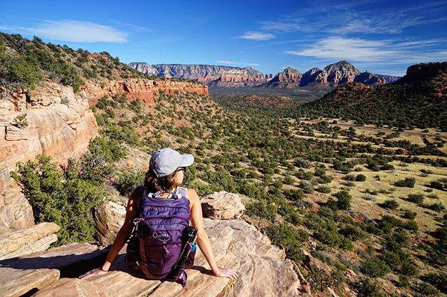 It's Monday so I'm 🤔 about mountains... I mean magical mesas. #mesacrushmonday #mountaincrushmonday #mesa #mtnchicks #trailchat #womenwhoexplore #womenwhohike #adventureculture #exploremore #goatworthy