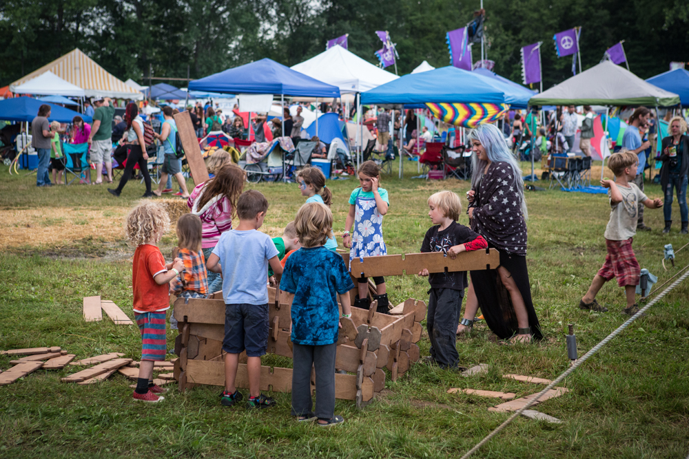 Roots2015_JeffLower_Day2_Kids-Area.jpg