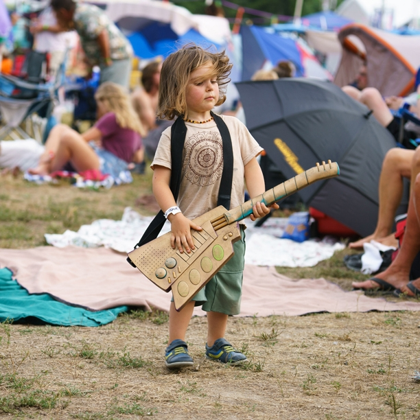 BURBANK-Grassroots-2016-Guitar-Kid.JPG
