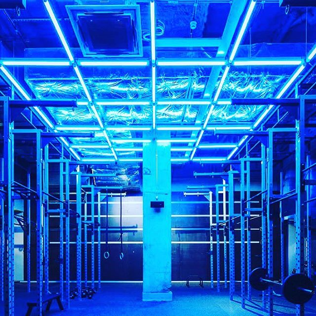 TAN WHILE YOU SWEAT: At Gymbox we also have UV lights so you can get a tan while you also get fit with me!!! Honest...🤣🙈😉 Message me and let me help you to get the results you want! #tanning #transform #keepgoing #gettoit #progress #goals #personaltrainer #energy #dontstop #train #fitness #mindset #ukfitfam #fitfam #instafit #gym #bodytransformation #bodybuilding #fitnessmodel #workout #muscle #fitlife #physique #transformation #fitspiration #fit  #instahealth #training #fitbit