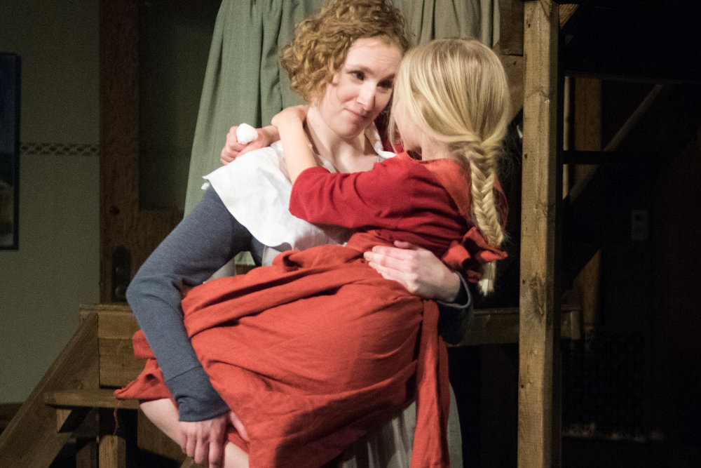 Leah Christine as Hester & Katie Vieth as Pearl
