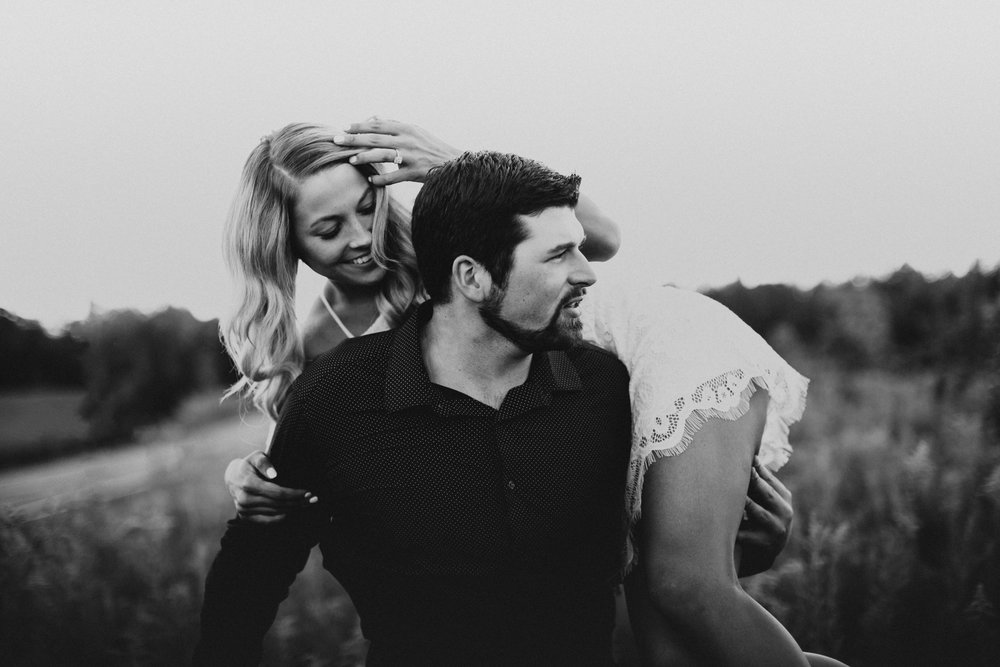 Minnesota Wedding Photogrpaher l Engagement Photos l_-28.jpg