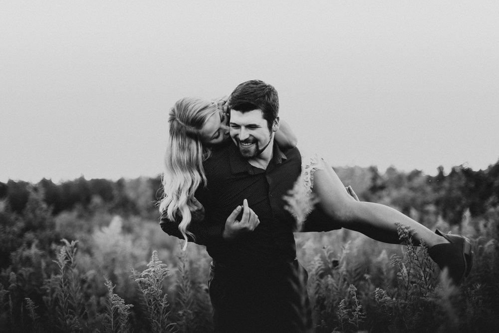 Minnesota Wedding Photogrpaher l Engagement Photos l_-33.jpg