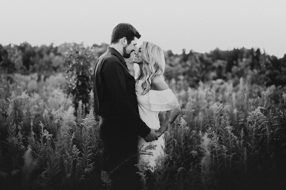 Minnesota Wedding Photogrpaher l Engagement Photos l_-36.jpg