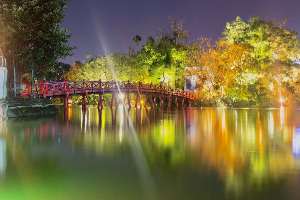 Bridge over Hoan Kiem Lake, Hanoi