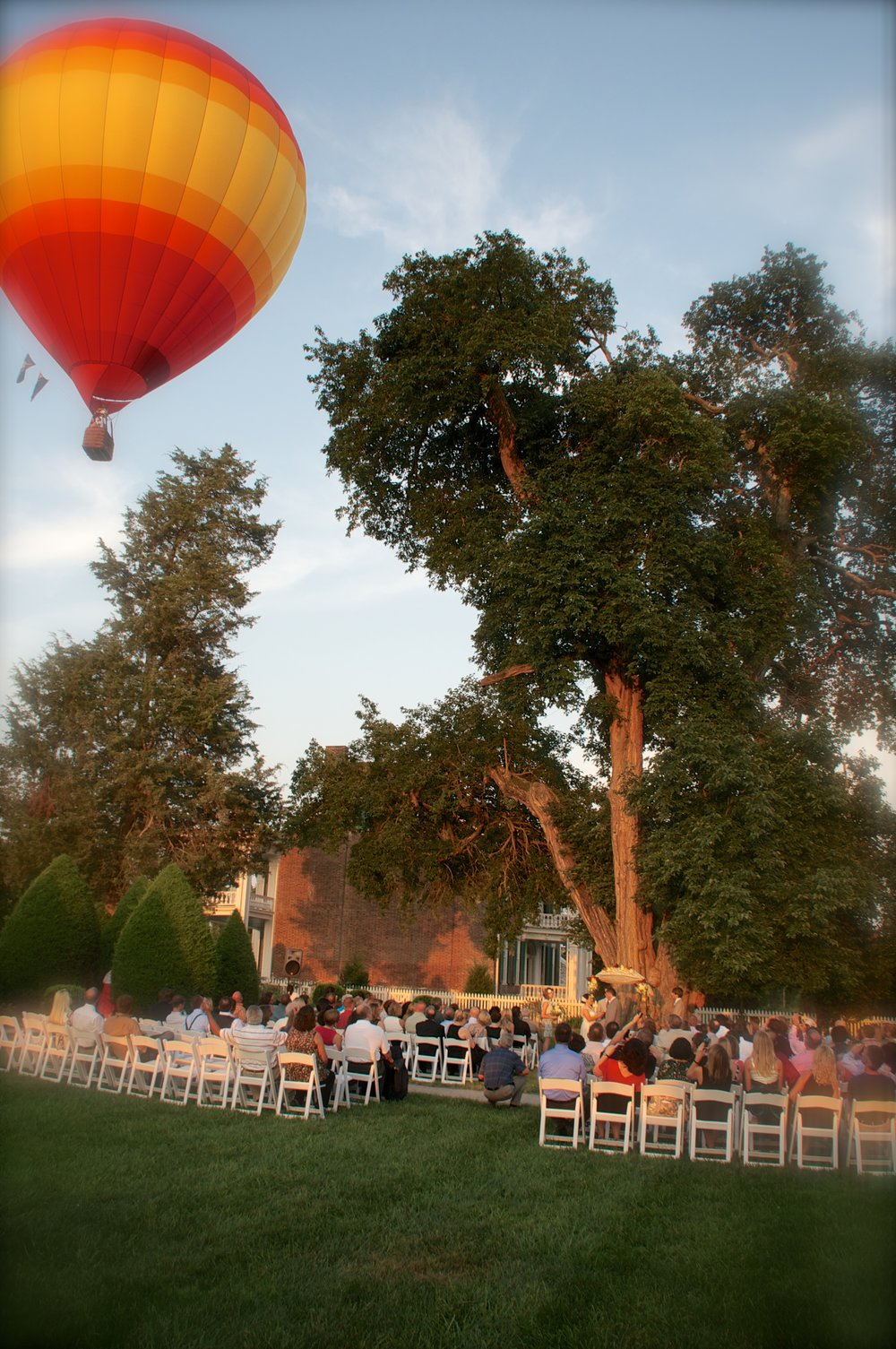 Getting a ballon over your ceremony at just the right moment takes real coordination.