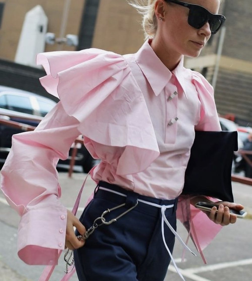 OVERSIZED RUFFLE BLOUSES- These blouses are one piece that can take place of all accessories and be added to a pair of pants to look liked a completed outfit! This still will captivate a unforgettable statement.