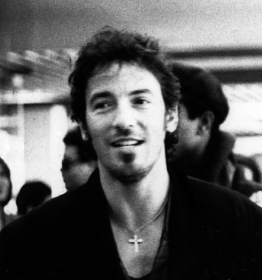 By Julien_civange_and_bruce_springsteen.jpg: Laura blandderivative work: Beao (Julien_civange_and_bruce_springsteen.jpg) [CC BY-SA 3.0 (https://creativecommons.org/licenses/by-sa/3.0) or GFDL (http://www.gnu.org/copyleft/fdl.html)], via Wikimedia Commons
