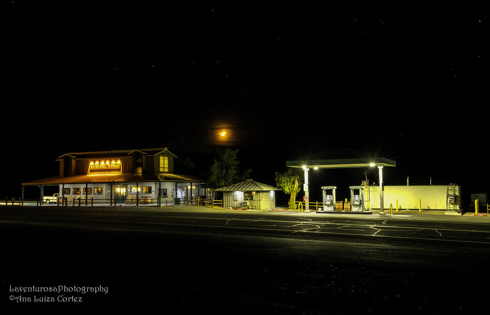 The General Store and the no-brand gas station of Stovepipe Wells