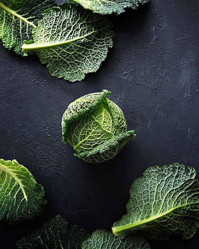 It's winter veg time ... our favorite. . . .  #sayyestovegetables #newrecipe #winterveggies #plantbased  #vegan #recipe #letscookvegan #eatyourveggies #greens #eatyourgreens  #weeklyrecipe #instagood #foodlover #foodphotography @monsieur.oui