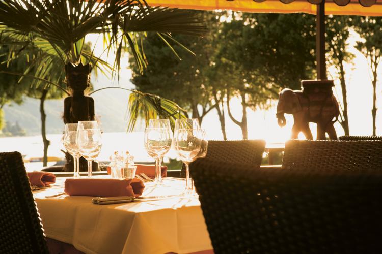 Lagune Restaurant Bouveret Terrasse Coucher Soleil