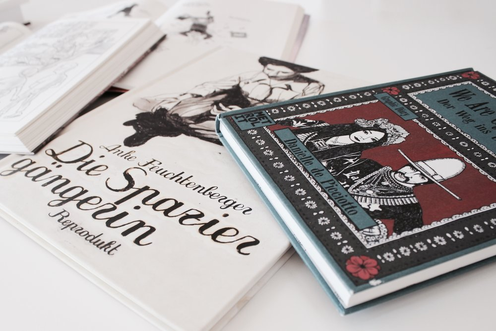 girls graphic novels