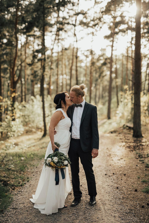 brollopsfotograf-brollop-halmstad-brollopsfoto-falkenberg-halland-wedding-weddingphotographer-bohemiskt-brollop-010.jpg