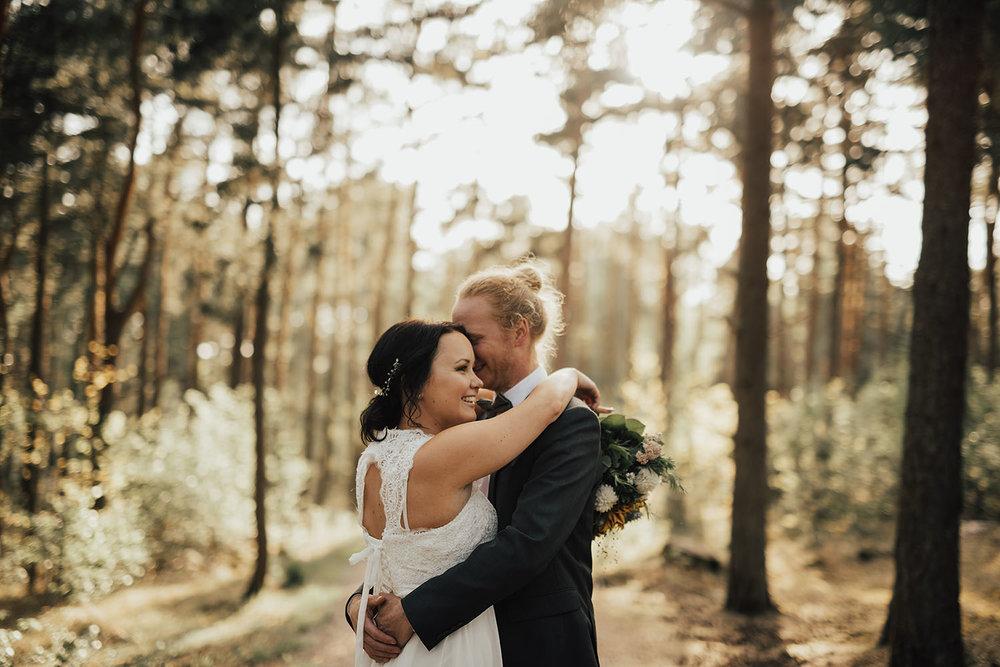 brollopsfotograf-brollop-halmstad-brollopsfoto-falkenberg-halland-wedding-weddingphotographer-bohemiskt-brollop-013.jpg