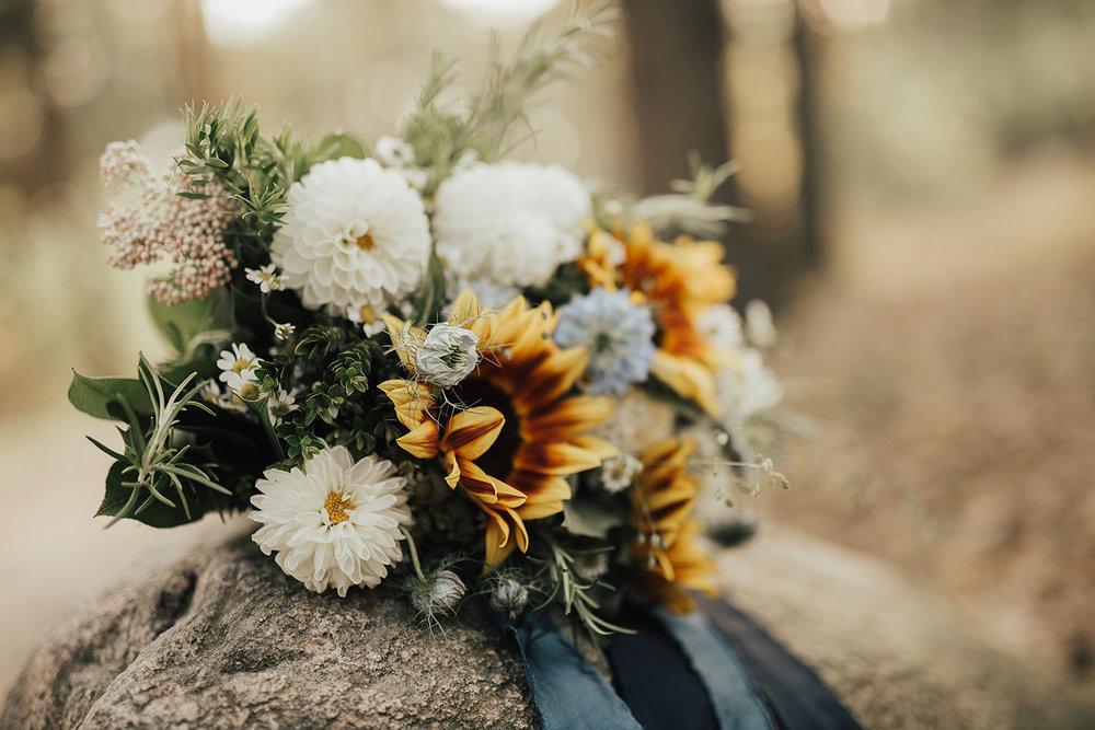 brollopsfotograf-brollop-halmstad-brollopsfoto-falkenberg-halland-wedding-weddingphotographer-bohemiskt-brollop-015.jpg