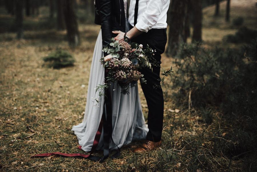 Bohemiskt bröllop i de halländska skogarna