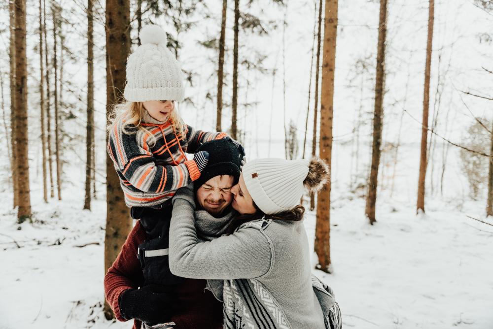 1-familjefotograf-familjefotografering-halmstad-lifestyle-barnfotograf-halland-vastkusten-0005.jpg
