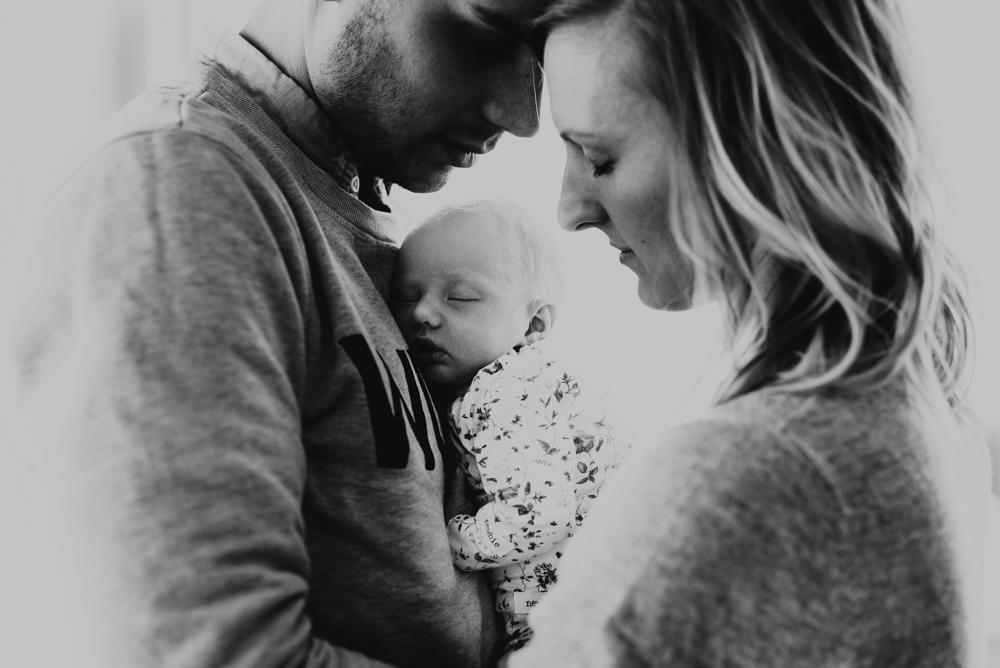 2-familjefotograf-familjefotografering-halmstad-lifestyle-barnfotograf-halland-vastkusten-0003.jpg
