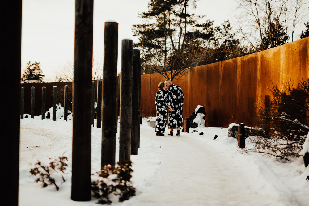 Linnsejphotography-fotograf-brollopsfotograf-brollop-stockholm-yasuragi-elopement-sweden-hemligt-brollop-borgerlig-vinterbrollop-vinter-brollopsinspiration--0016.jpg