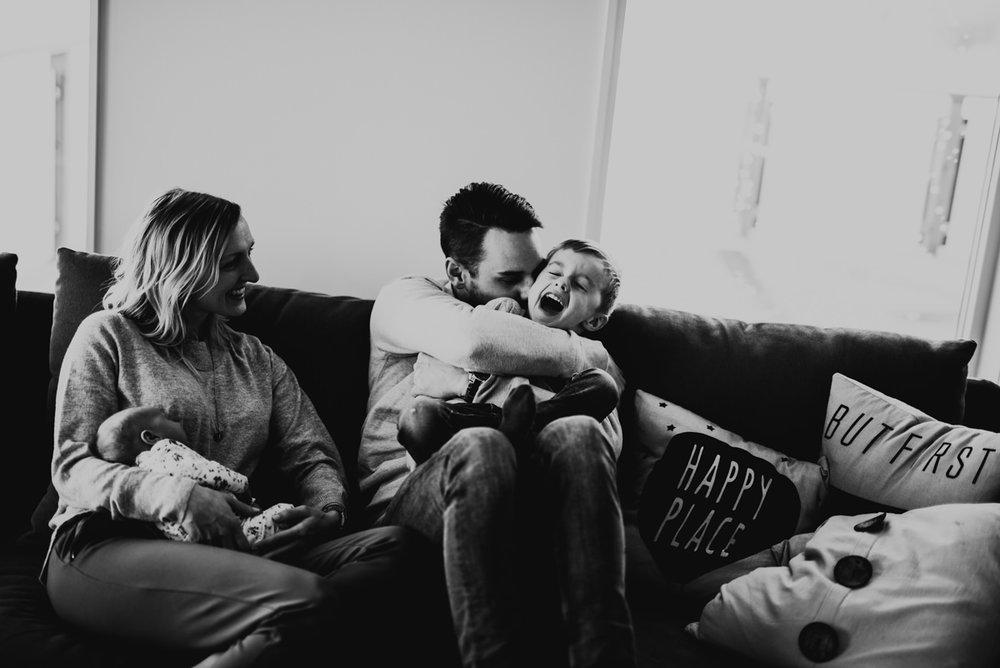 Linnsejphotography-familjefotograf-fotograf-halmstad-halland-lifestylefotograf-lifestyle-nyfodd--0009.jpg