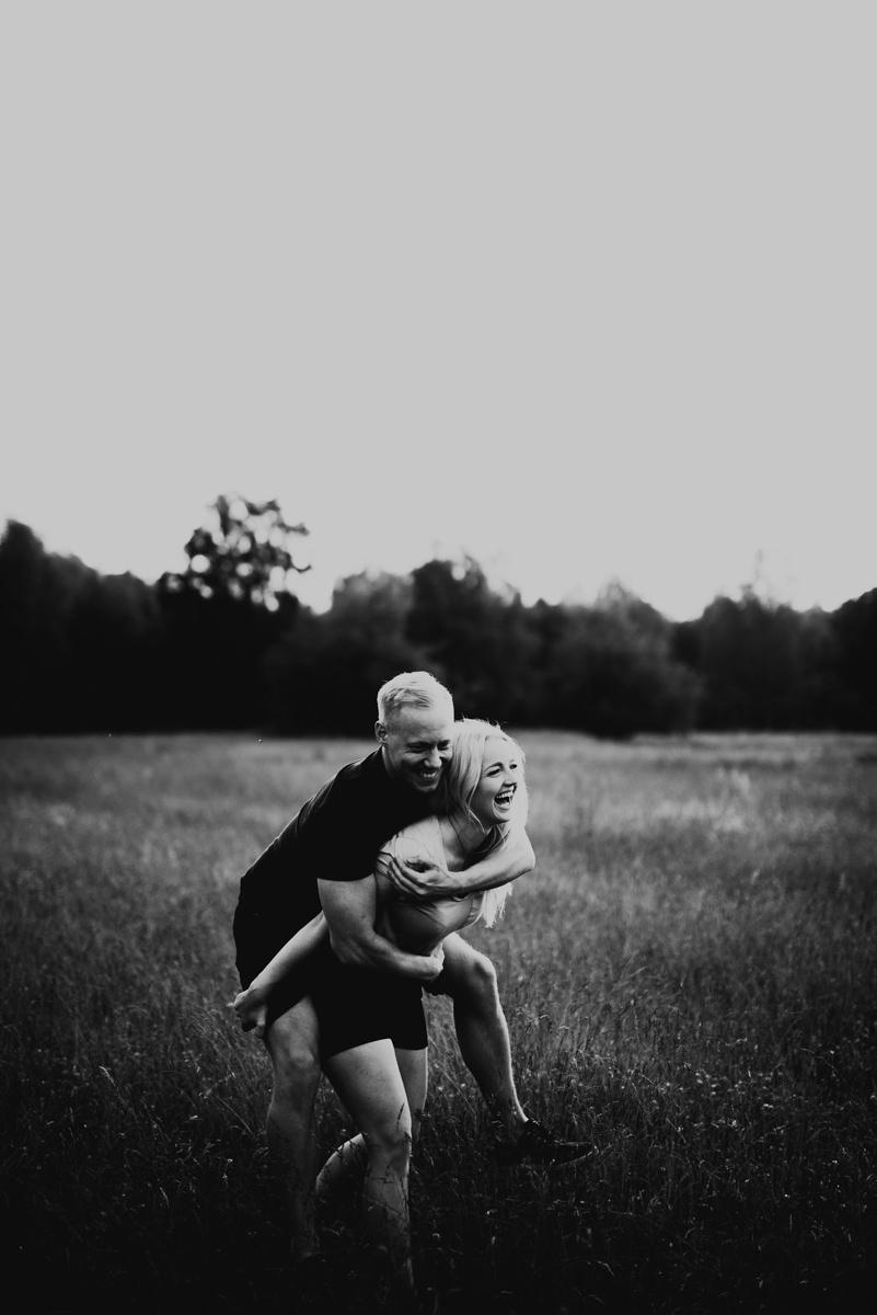 Linnsejphotography-brollopsfotograf-parfotografering-karleksfotografering-inforfotografering-forlovning-brollop-varberg-halland-halmstad-falkenberg-brollopsinpo-bohemiskt-lantligt-vastkusten-vastkustbrollop-0014.jpg