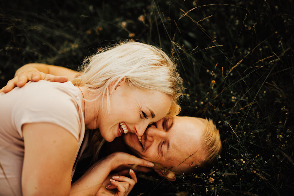 Linnsejphotography-brollopsfotograf-parfotografering-karleksfotografering-inforfotografering-forlovning-brollop-varberg-halland-halmstad-falkenberg-brollopsinpo-bohemiskt-lantligt-vastkusten-vastkustbrollop-0016.jpg