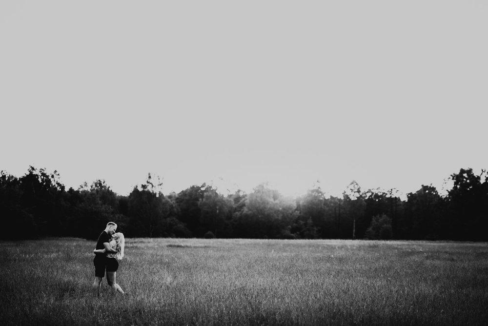 Linnsejphotography-brollopsfotograf-parfotografering-karleksfotografering-inforfotografering-forlovning-brollop-varberg-halland-halmstad-falkenberg-brollopsinpo-bohemiskt-lantligt-vastkusten-vastkustbrollop-0022.jpg