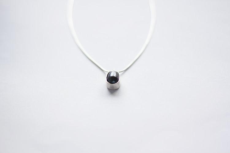 d8fb9d5400fba0 Black pearl necklace — Argent Silversmith