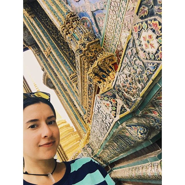 I spent hours at the Grand Palace admiring the intricate detail and beauty of the Temple of the Emerald Buddha #bangkok #thailand #oldbangkokstyle #adventures #sacred #details #mosaic #views
