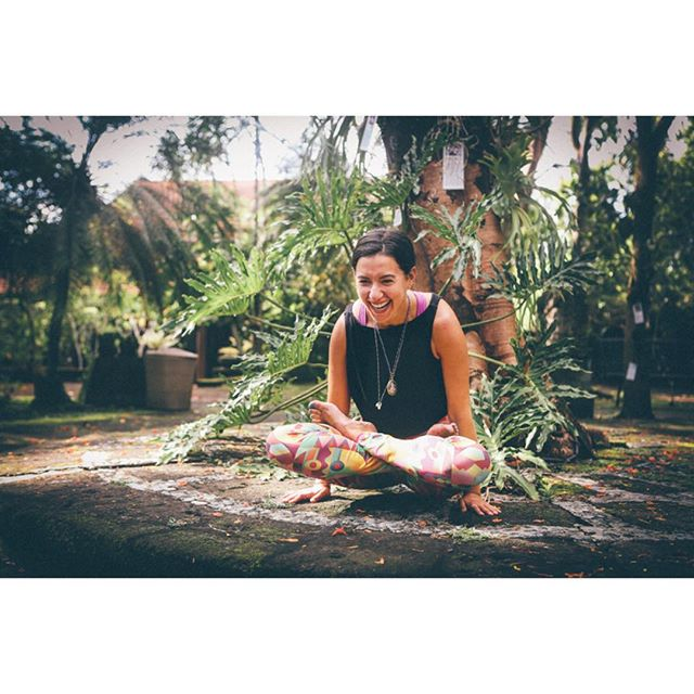 The past few months have been focused on exploring new things and welcoming new challenges. Jumped into the unknown and never turning back. Excited to share this photo by @ulrikereinholdphotography from the start of my journey in Ubud #tbt #yogaeverydamnday #ubud #bali #armamuseum #adventures