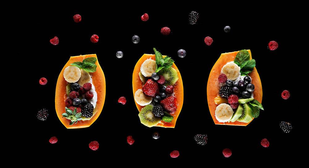 Salada de frutas no mamão papaya