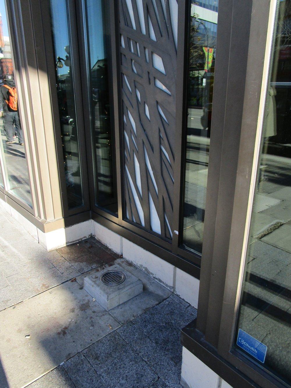 Light fixtures outside HSBC bank, Douglas Street.