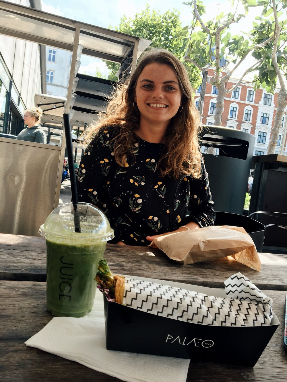 Lunch at Torvehallerne - paleo sweet potato, kale wrap and a green smoothie. NOMS