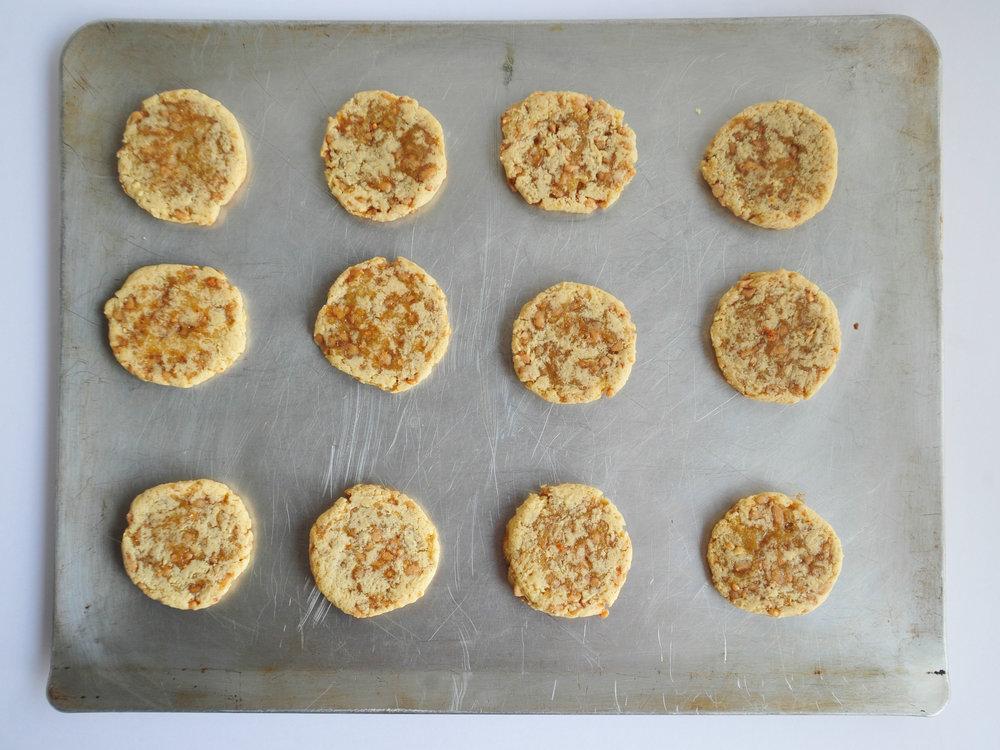 bow-tie-baking-toffee-cookies-4