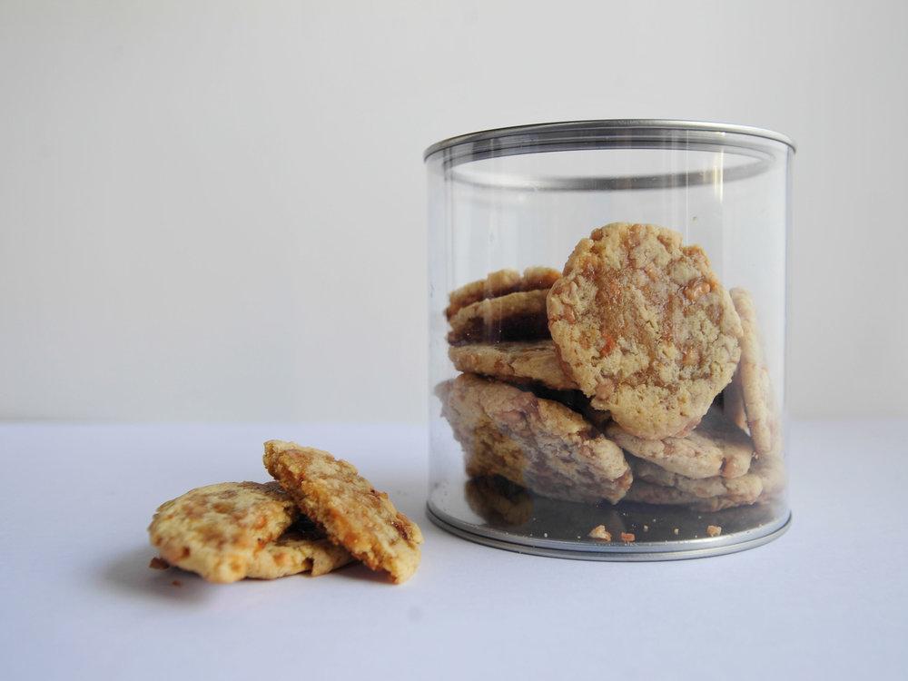 bow-tie-baking-toffee-cookies-2