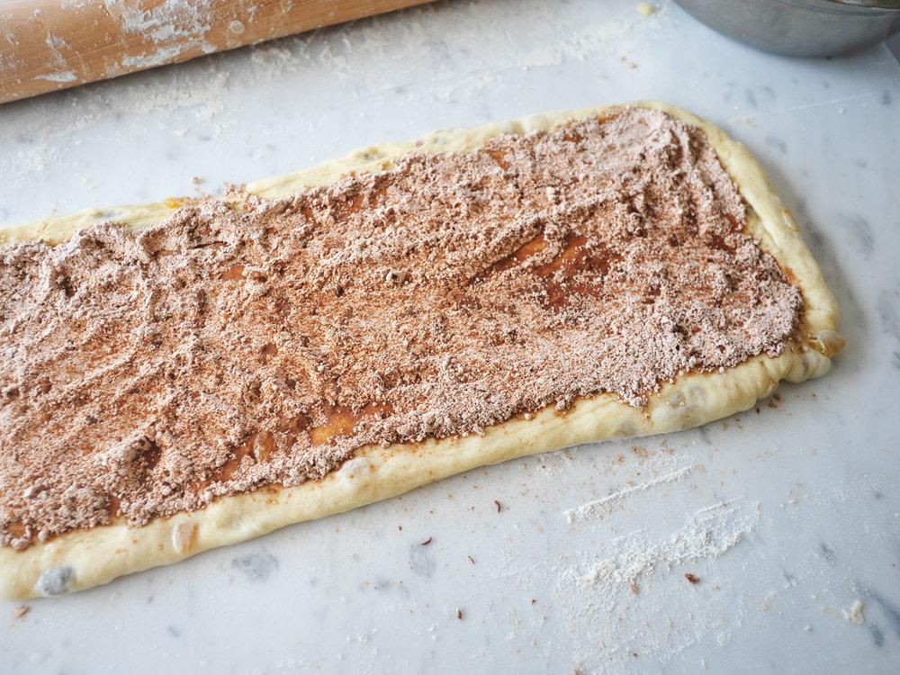 bowtiebaking-cinnamon-raisin-bread-7