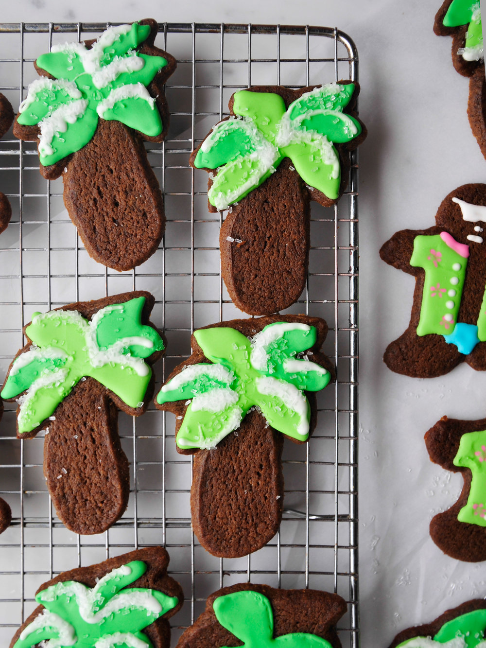 bowtiebaking_gingerbread-cookies_1