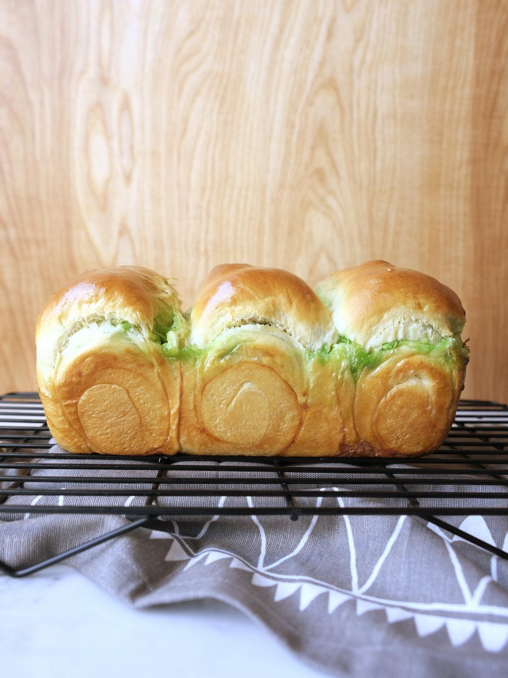 bowtiebaking-pandan-coconut-hokkaido-milk-bread-10