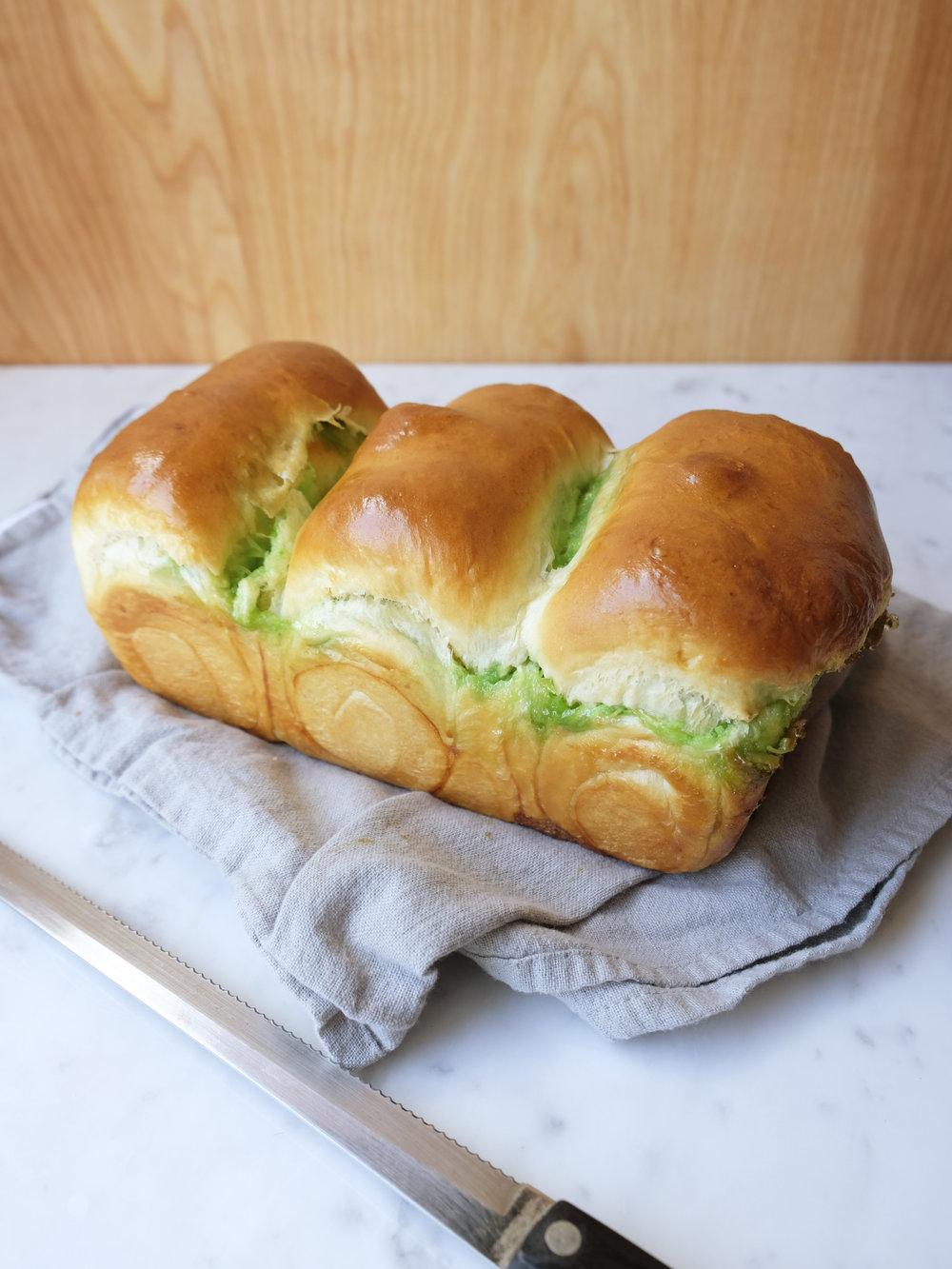 bowtiebaking-pandan-coconut-hokkaido-milk-bread-12