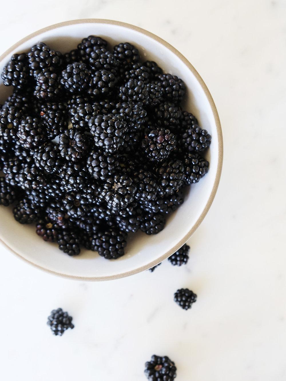 bowtiebaking-blackberry-swirl-ice-cream01