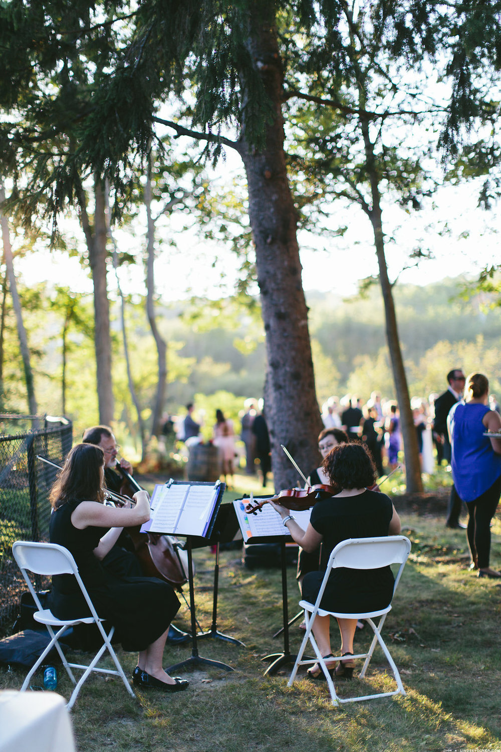 Newburyport, MA backyard wedding. Lindsay Ocker Photography.