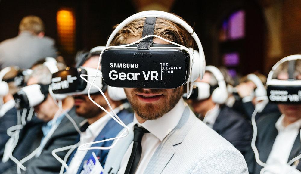 VR-AR-1.jpg