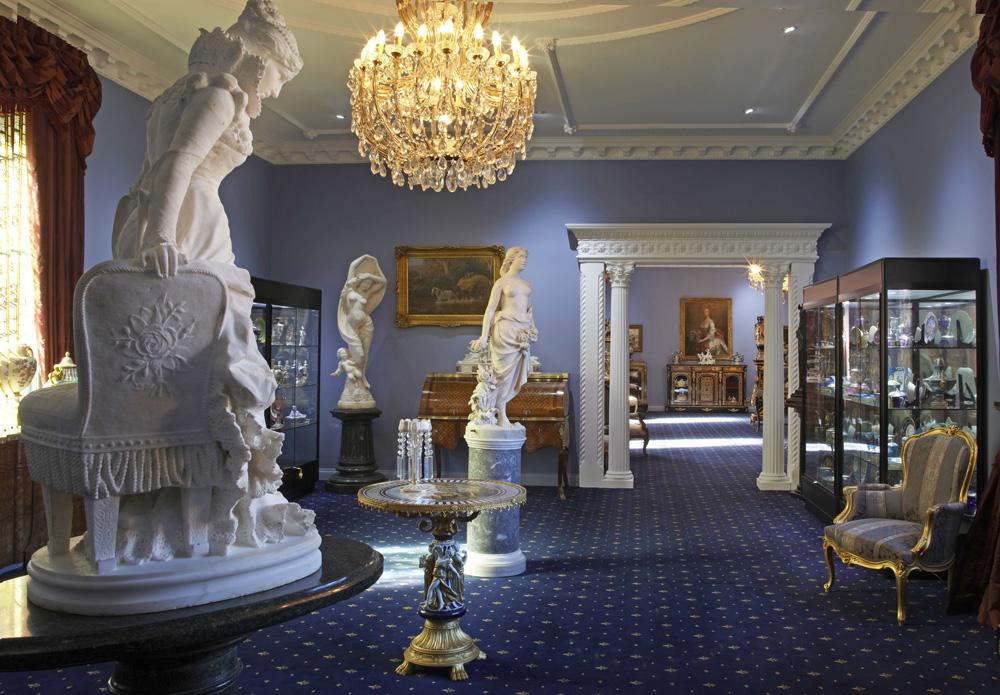 18752-blue-room-statues-1000-80.jpg