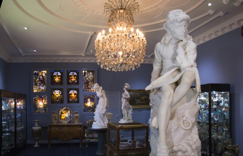 3989-6-blue-room-statues-fiona-1000-75.jpg