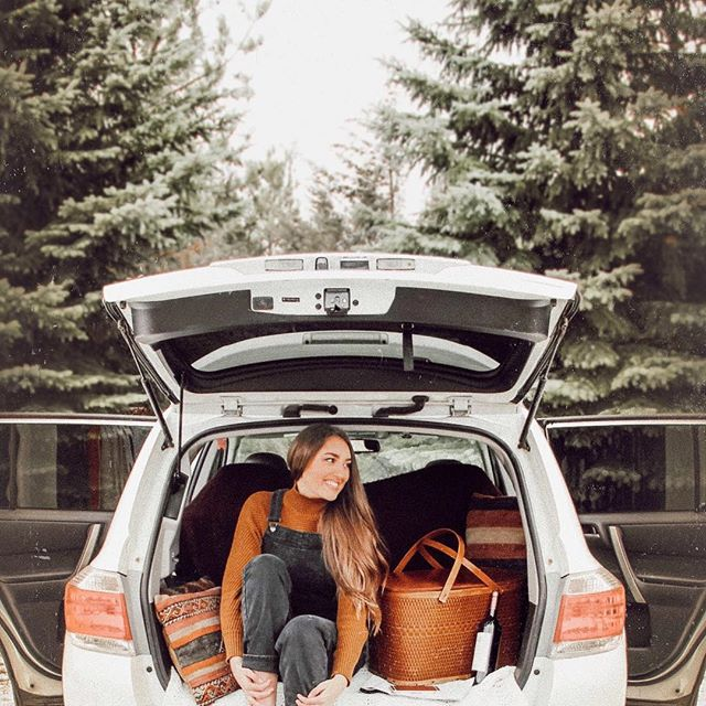 Eeek! Can't wait to pack up my car in a few weeks to teach at @labmpls once again! ⠀ ⠀ 1. I love Squarespace and showing aaaamazing biz owners how to create their sites⠀ ⠀ 2. I always leave with new coffee date frands 👯‍♀️ ⠀ ⠀ 3. Maybe if I travel enough I can justify getting a tiny home... yes, #goals⠀ ⠀ YOU GUYS stay tuned because tomorrow I may or may not be giving away a seat to this workshop...okay fine, that 100% means I am..⠀ ⠀ More deets on how to enter tomorrow 💥⠀