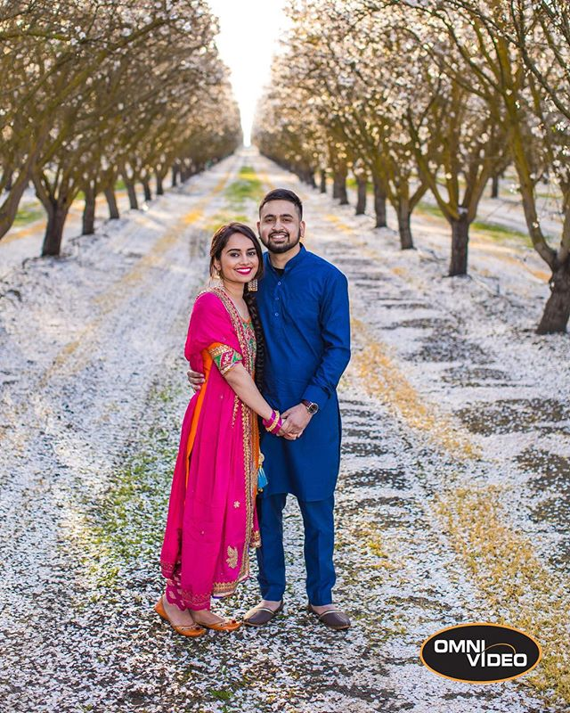 Sachdeep & Rupinder's #Engagement #Photoshoot Full blog post available on our website: https://www.omnivideousa.com/blog/posts/sachandrupinder  #omnivideousa #blog #indianwedding #portrait #weddingphotography #weddingphotographer #couplesphotography #engagementphotos #engagementphotography #engagementsession #weddingblog #engaged #canonusa #profoto #engagementring #bridalexpressions #eshoot #indianbride #indianggroom #wedding #weddingexpert