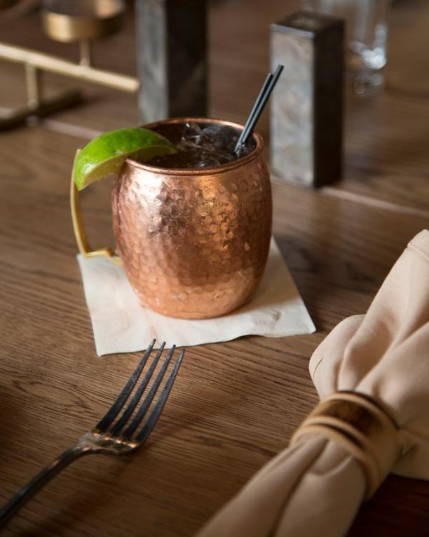 Moscow Mule Monday. 👌 If that's not a thing, it is now!  #allium#alliumbistro#westlinn#pdxnow#pdxhappenings#traveloregon#travelportland#historicalwillamette#downtownwestlinn#pdxeats#foodies#pdxrestuarants#foodandwine#wineanddine#eaterpdx#pdxlocal#pdxfoodies#thefeedfeed#f52grams#foodandwine#eatthefood#eattheworld#inseasonnow#buzzfeast#forkyeah#dailyfoodfeed #moscowmule #cocktail #pdxbar #pdxdrinks