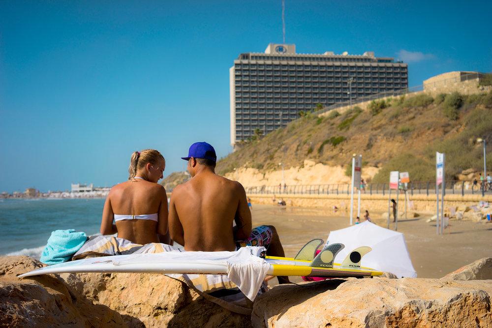 Ido Biran, Tel Aviv beach, couple, surfboard