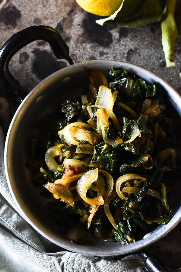green food recipe soup endives spinach garlic winter cold season