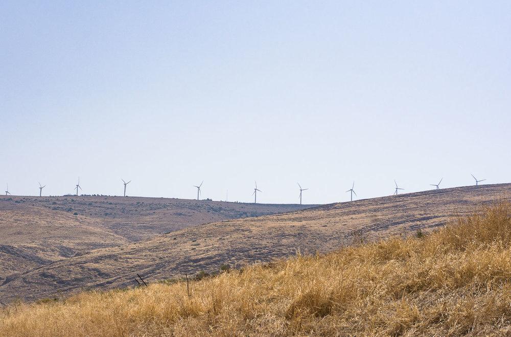 Park Emek Ha-Maayanot, springs valley, Gilboa mountain, wind mills